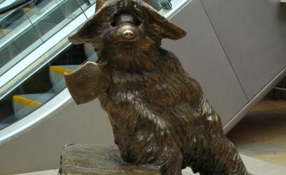 estatua paddington en padington station